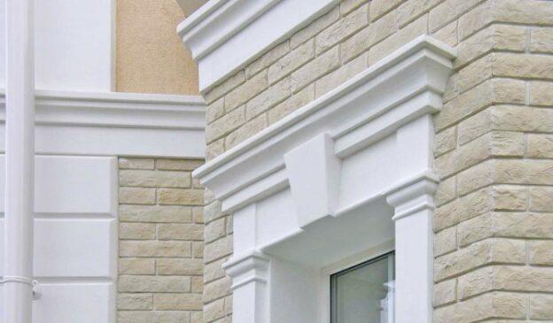 Лёгкость и эстетика с фасадным декором из пенопласта
